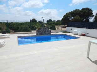 villa swimming pool